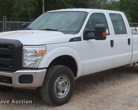 2015 Ford F250 Super Duty Crew Cab Pickup Truck