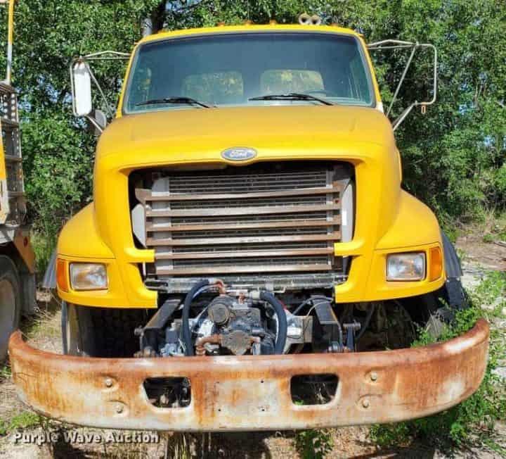 1998 Ford LT8000 Ready Mix Truck